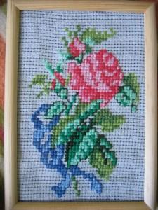 róża, haft krzyżykowy