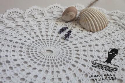 owalna serwetka szydełkowa 2014r.